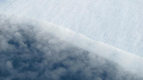 Blowing snow on Thwaites